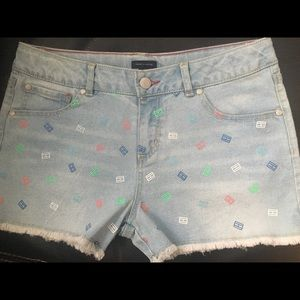 NWOT Tommy Hilfiger Girls denim shorts - Size (16)